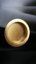 úchyt guľatý zlatý satén